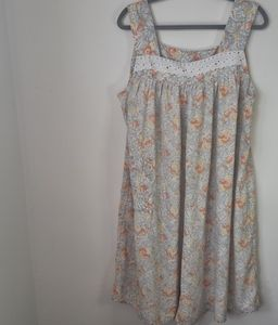 Vintage Floral and Paisley Sleevless House Dress